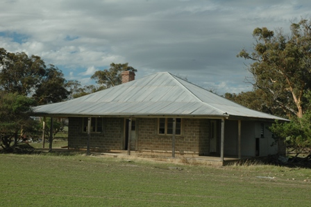 Today's Metal Detecting Spot 1 - Beautiful Old Australian Homestead